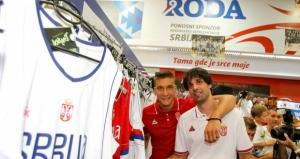 Milo-Teodosi-i-Bogdan-Bogdanovi-posetili-KSS-shop