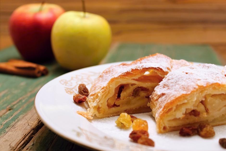 Mamina pita od jabuka, cimeta i suvog grožđa